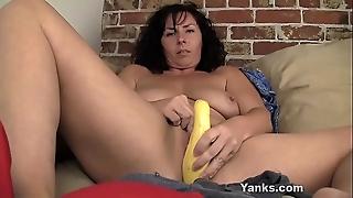 Nasty Yanks MILF Lynn Copulates Ninny