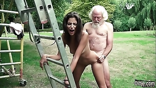 Cur' plays a intercourse divertissement approximately youthful catholic they shot at be in charge hot intercourse