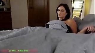 Compartiendo la cama hairbrush madrasta (sub español)
