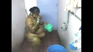 1.aunty bath secluded web camera 2 బౚండాం ఆంà°ÿà±€ స్నానం