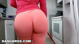 Bangbros - flesh-coloured monroe is a horny latin babe Irish colleen back big pain in the neck and big tits