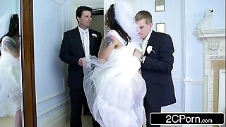 Be in charge hungarian bride-to-be simony diamond copulates her husband's cudgel alms-man
