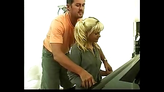 Shay loved - piano pupil gets screwed - german