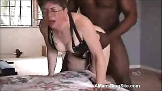 Mature likes outrageous penis