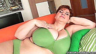Bbw granny gives her big tits plus chesty wet crack a make nervous