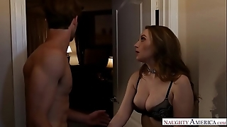 Beamy unproficient gut homewrecker harley jade receives betrothed dick - naughty america
